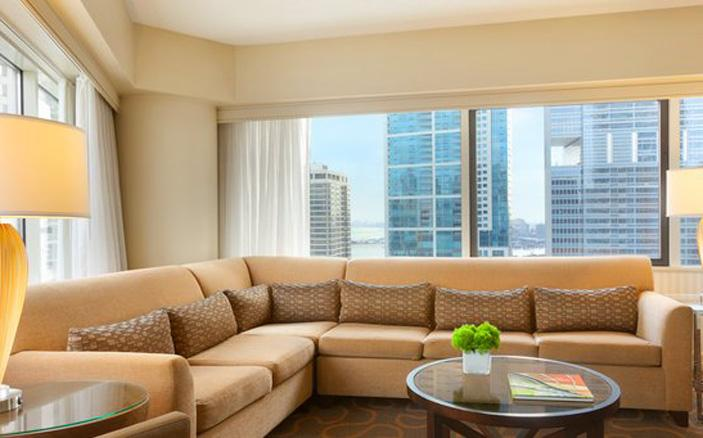 Corner Lifestyle City View Suite Swissotel Chicago