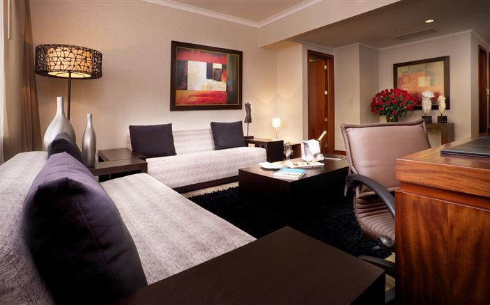 Executive Suite Bedroom at Swissotel Quito