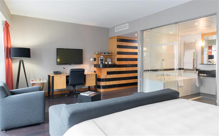 Junior Suite at Swissotel Amsterdam