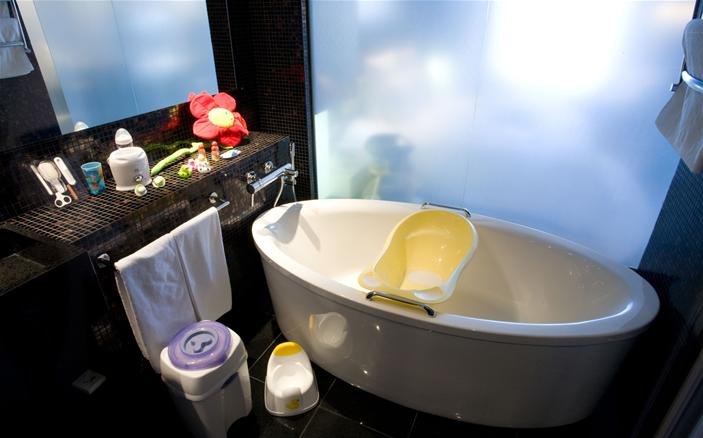 Infant Room Bathroom set up at Swissotel Tallinn