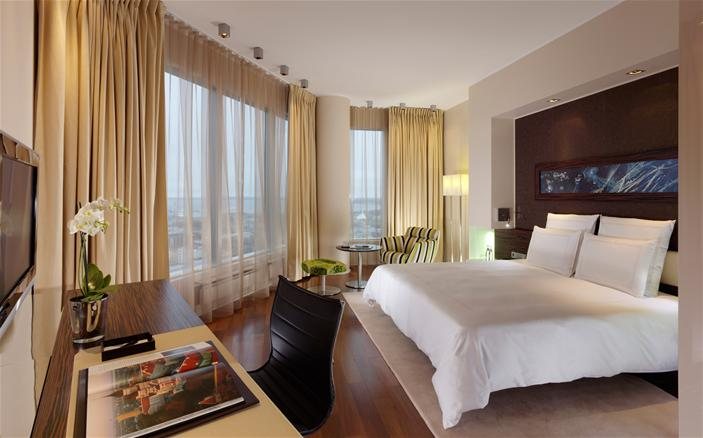 Swiss Advantage King Room with Harbour View