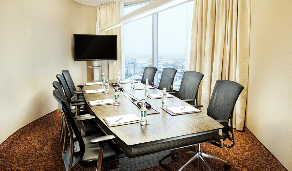 塔林瑞士酒店行政董事会议室