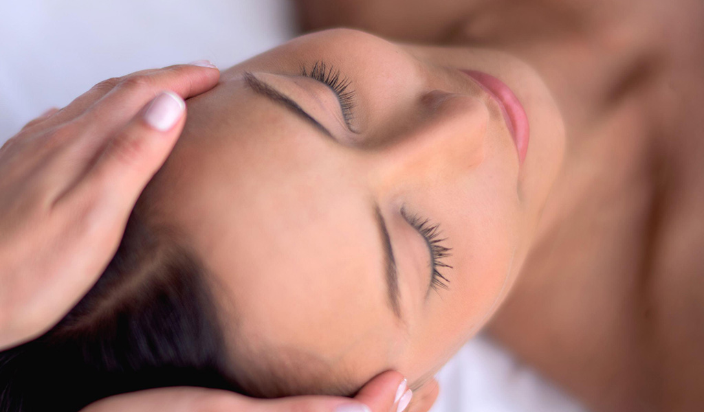 علاج الوجه للبشرة الحساسة