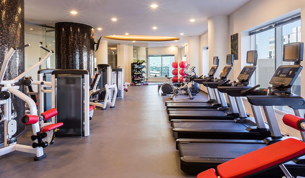 Swissotel Tallinn bünyesindeki spor salonu ve stüdyo