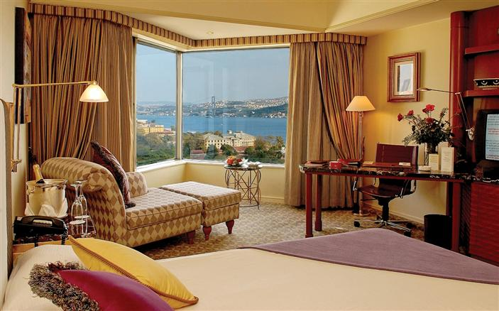 Bosphorus Standard Room at Swissotel The Bosphorus