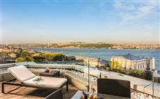 Люкс с террасой в Swissotel The Bosphorus