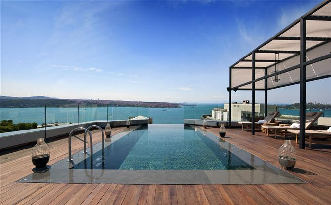 swissotel living mit pool auf dem dach swiss tel the bosphorus istanbul. Black Bedroom Furniture Sets. Home Design Ideas