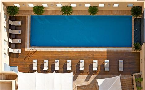 Pool im Swissôtel Sydney