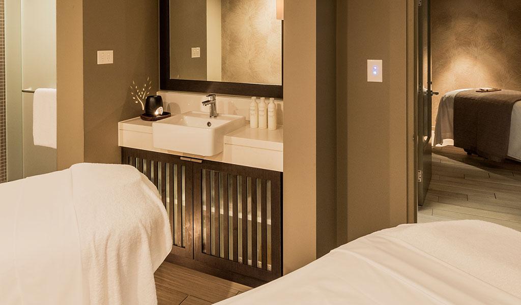 Couple Massage Packages - Swissotel Sydney - Swissôtel
