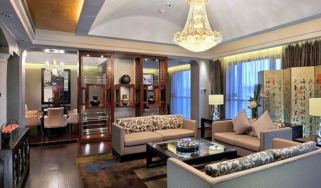 Swissotel Shanghai(スイスホテル上海)のプレジデンシャル スイートのリビングルーム