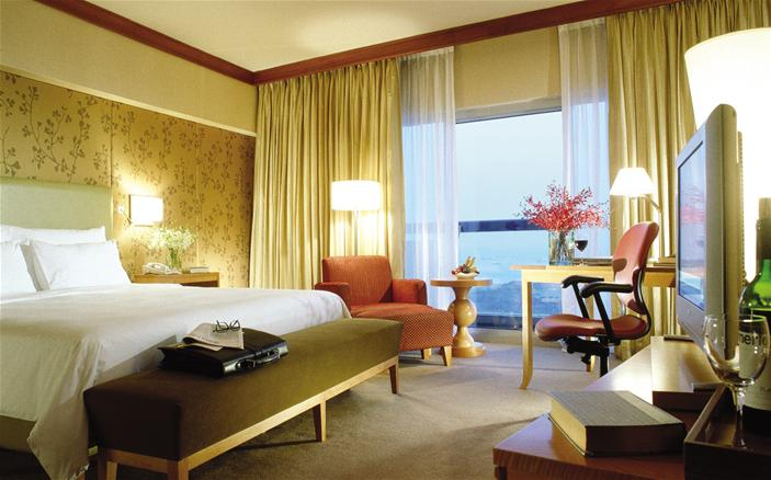 Swiss Executive Room at the Swissotel Stamford