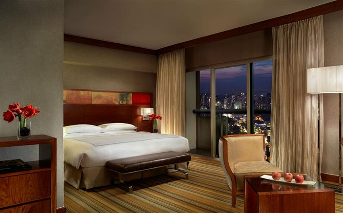 Grand Room at the Swissotel Stamford Singapore