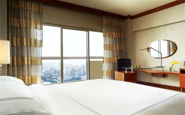 Swiss Advantage Room at Swissotel The Stamford