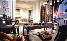 Stamford Crest Suite at the Swissotel Stamford