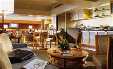 Swiss Executive Club Lounge at the Swissotel Stamford