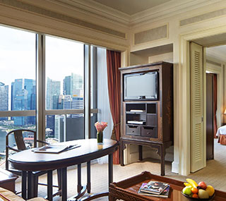 Stamford Crest Suite at Swissotel The Stamford