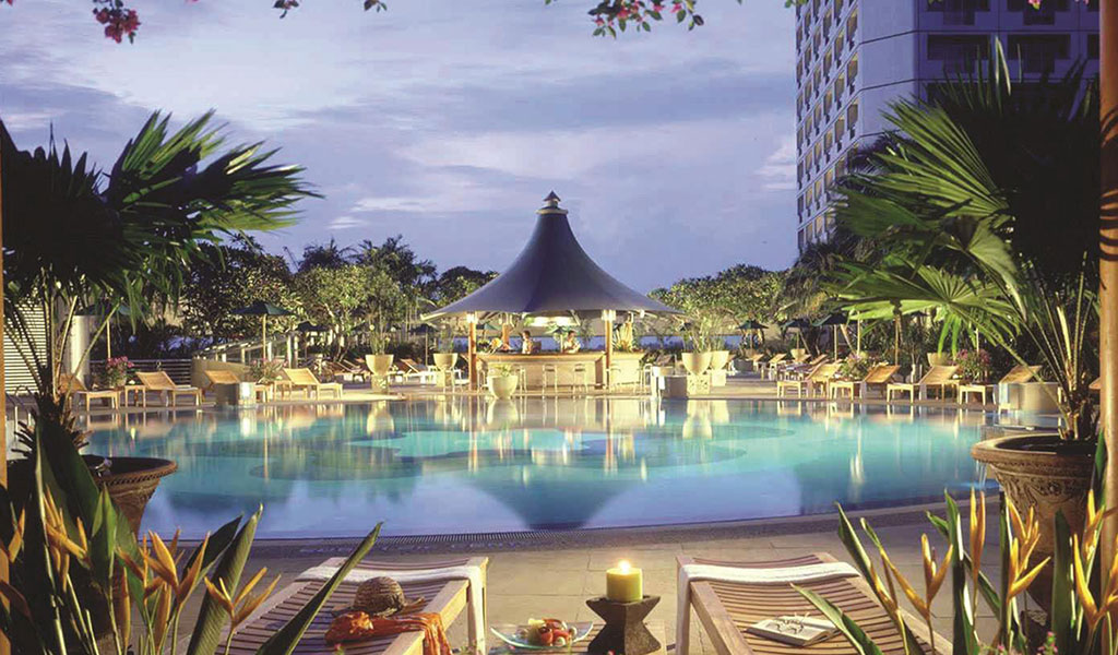Swimming pool swissotel the stamford swiss tel hotels - Fitness first swimming pool singapore ...