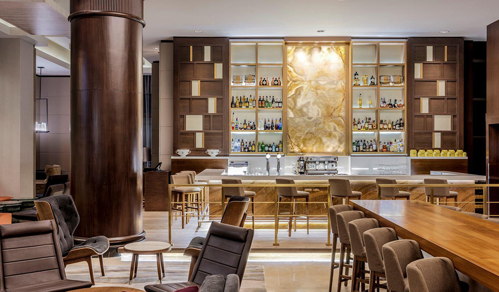 Crossroads Bar at Swissotel Merchant Court