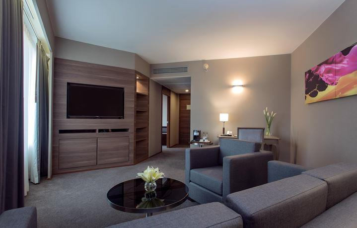 Executive Suite at Swissotel Le Concorde