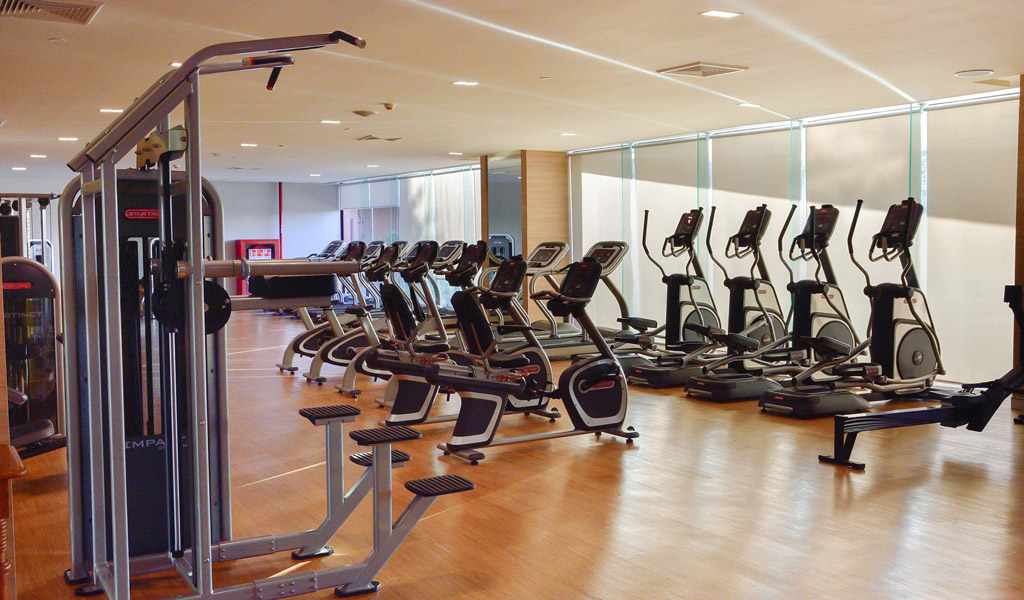 Fitness & Pool at Swissotel Bangkok Ratchada