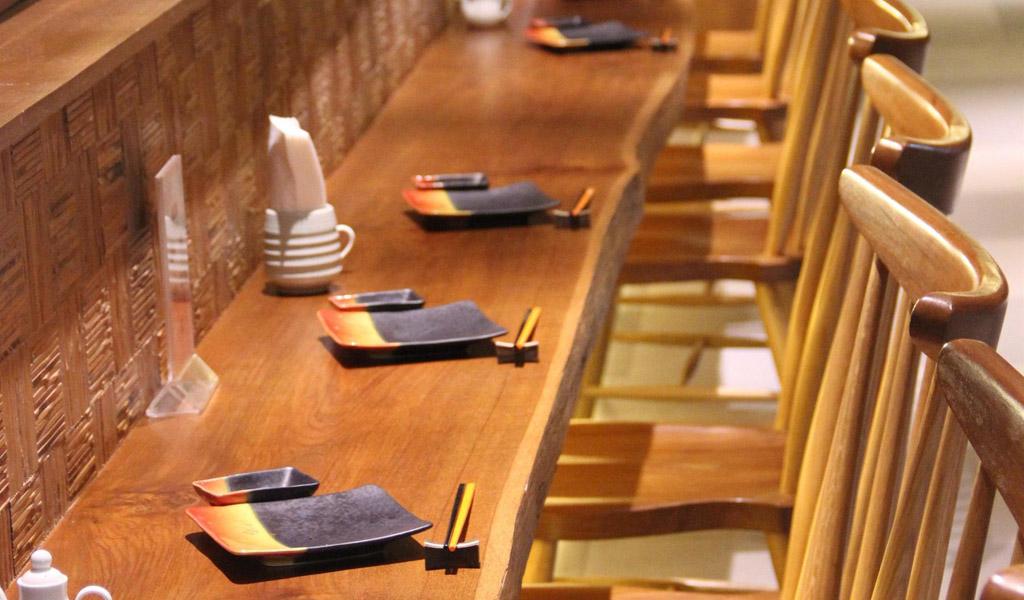 曼谷瑞士酒店 Ratchada 的 Takumi 餐厅