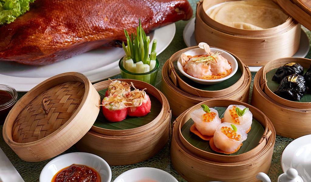 Swissotel Bangkok RatchadaのLoong Foongレストラン