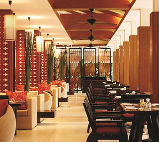 Кафе в Swissotel Resort Phuket