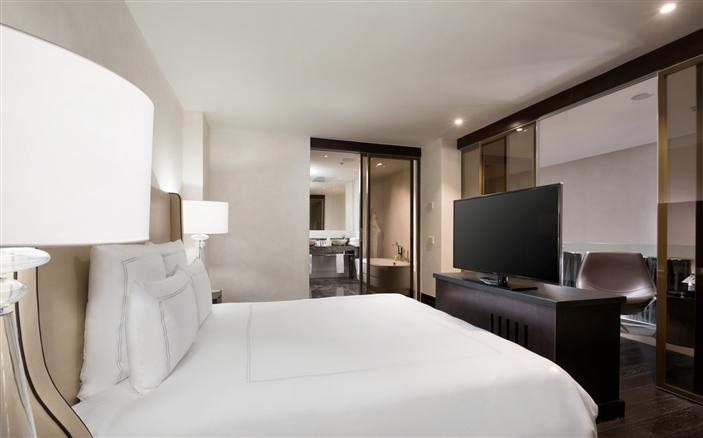 Grand Duplex Suite King at Swissotel Kamelia