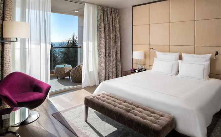 Signature Suites at Swissotel Kamelia