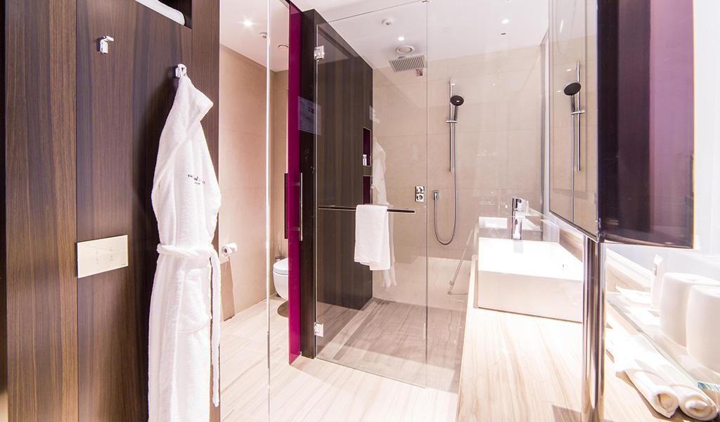Swiss Advantage Zimmer im Swissôtel Kamelia