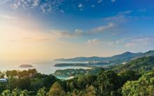 شاطئ فندق سويس أوتيل بوكيت باتونج (Swissotel Resort Phuket Patong)