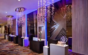 Обновленная стойка регистрации в отеле Swissotel, Чикаго