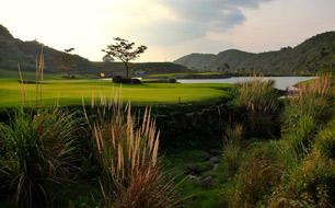 Поле для гольфа Sanya Dragon Valley